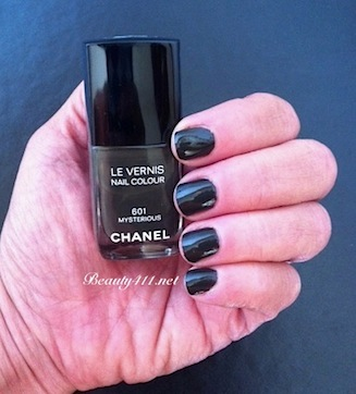 CHANEL Mysterious swatch
