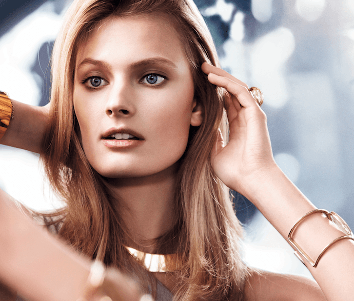 Estee Lauder Perfectionist Makeup - model
