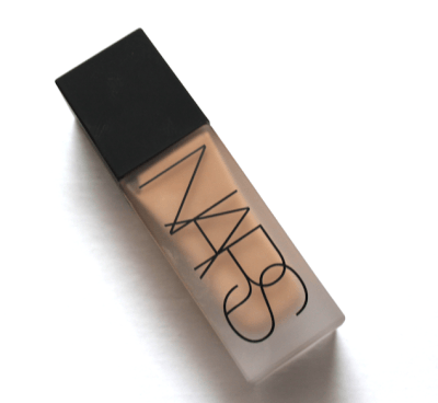 NARS All Weightless Foundation - Santa Fe sample