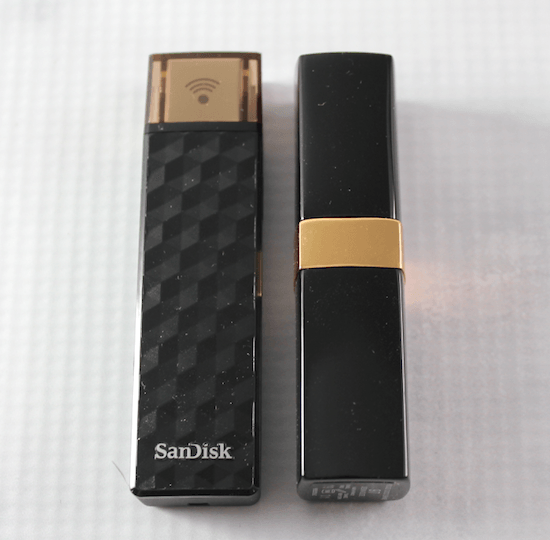 Compairson size of SanDisk Connect Wireless Stick