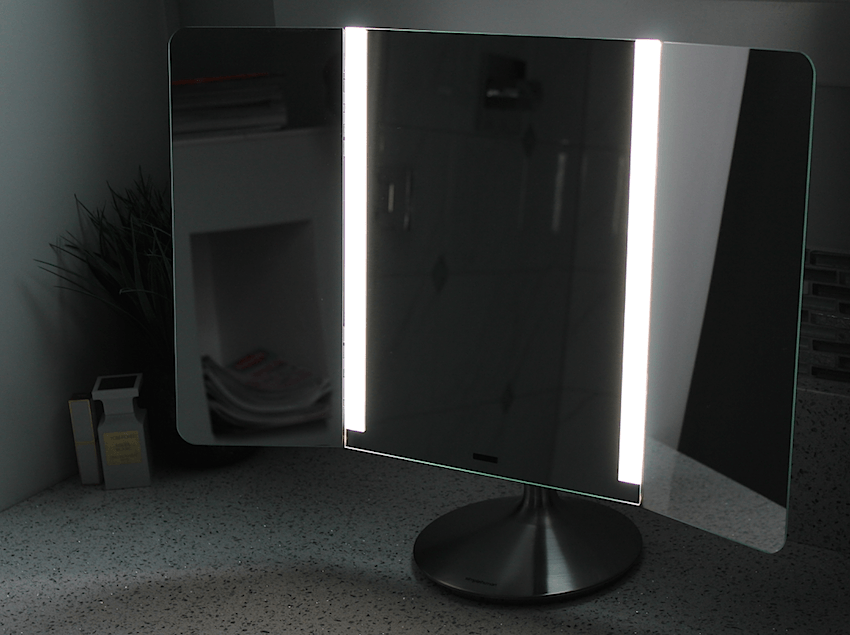 simplehuman mirror with preset lights