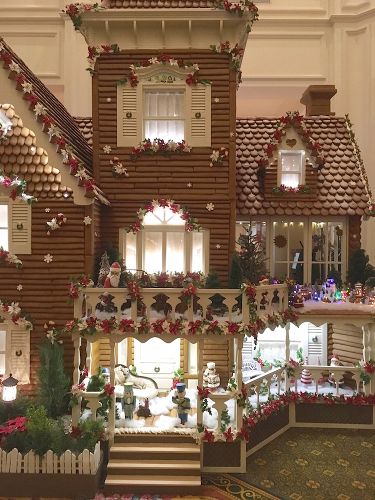 gingerbread-house_grand-floridian