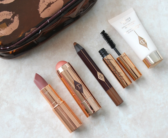 charlotte-tilbury-natural-glowing-kit-contents