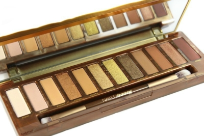 Decadent golden shades in the Urban Decay Naked Honey Palette! (review)
